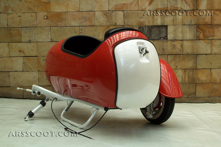 Arsscoot com - Piaggio Vespa Scooter and Sidecar